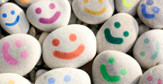 Vamos a utilizar piedras para crear bonitos y coloridos pisapapeles