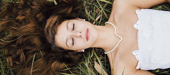 Descubre con Jordi Dalmau como eliminar las manchas de tu vestido de novia