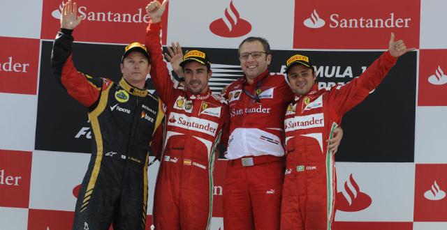 Alonso se exhibe en Montmeló